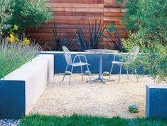 Small Courtyard, Wal Seats Bernard Trianor + Associates Monterey, CA Landscaping With Rocks, Modern Landscaping, Backyard Landscaping, Indoor Outdoor Living, Outdoor Chairs, Outdoor Decor, Small Courtyards, Modern Landscape Design, Small Garden Design