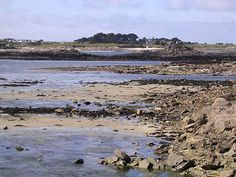 « La côte à marée basse » Photo Bretagne, Beach, Outdoor, Photo Galleries, Bass, Outdoors, Seaside, The Great Outdoors