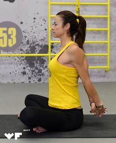 Πονάει η μέση σου; 3 απαραίτητες ασκήσεις pilates για το σπίτι που θα σε ανακουφίσουν Pilates, Sporty, Fitness, Style, Fashion, Pop Pilates, Swag, Moda, Fashion Styles