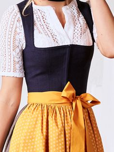 Different color Apron # Apron baking - Different color apron # Apron bake - Look 2018, Vintage Outfits, Vintage Fashion, Dirndl Dress, Fashion Outfits, Womens Fashion, Fashion Trends, Mode Vintage, Traditional Outfits