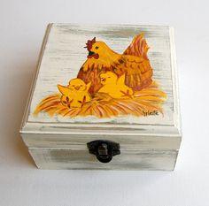 Caja de madera cuadrada.Caja decorada.Gallina y por GaleriaArlette