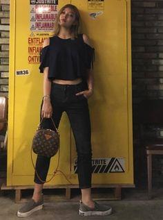 #Koreastarfashion#Kstar#Kstyle#model#Songhena#모델#송해나패션
