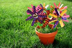 """SO going to do this as a school project, maybe for a nursing home. Originally started by a family called """"Love Stems"""". Toilet paper rolls painted, then cut, then skewered. Instant smile!"""