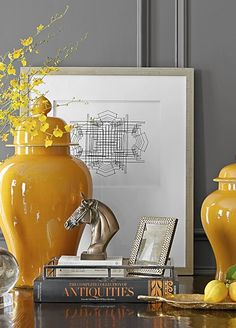 Ginger jars in daffodil yellow vignette. Luxury Home Accessories, Decorative Accessories, Mantel Styling, Console Styling, Home Interior, Interior Design, Deco Zen, Build A Table, Ginger Jars