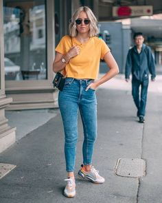 44 Trendy Casual Spring Outfits with Jeans Cute Spring Outfits, Trendy Outfits, Cool Outfits, Fashion Outfits, Style Fashion, Cute Jean Outfits, Winter Outfits, Simple Casual Outfits, Simple Summer Outfits