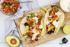 Fish taco's met limoensaus Fisher, Cooking Recipes, Healthy Recipes, Healthy Food, Pasta, Fish Tacos, Fabulous Foods, Pcos, Chipotle