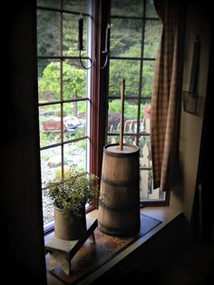 Bay windows are incredible assets for a home. Homes that are up for sale that have bay windows… Primitive Homes, Primitive Kitchen, Primitive Antiques, Country Primitive, Primitive Decor, Primitive Bedroom, Prim Decor, Country Decor, Rustic Decor