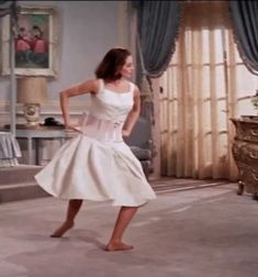 Old Hollywood Glamour, Golden Age Of Hollywood, Vintage Hollywood, Classic Hollywood, Girl Dance Video, Dance Videos, Princesa Tutu, Vintage Beauty, Vintage Fashion
