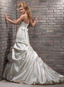 Maggie Sottero Elizabeth Wedding Dress