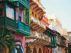 Cartagena, Colombia is such a beautiful city. Looks like Havana without the ruins.