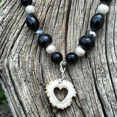 Arts And Crafts Halloween Ideas Deer Antler Jewelry, Deer Antler Crafts, Antler Art, Antler Ring, Antler Necklace, Deer Antlers, Bone Jewelry, Heart Jewelry, Diy Jewelry