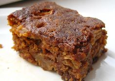 Islak kek tarifleri genellikle çikolata ile yapılmaktadır. Ancak elmalı ıslak kek tarifi de en az çikolatalısı kadar sevilecek ve tercih edilecek kıva..