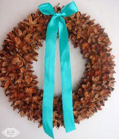 ystinowo: wianki z bukwi....= a wreath of fruit beech