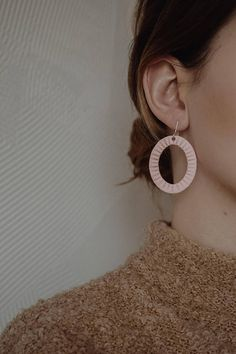 Light pink / peachy pink color earrings. Minimal and classic