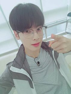 new glasses babe! Cha Eun Woo, Astro Eunwoo, Cha Eunwoo Astro, Beautiful Boys, Gorgeous Men, Jimin, Astro Wallpaper, Lee Dong Min, Kim Sejeong
