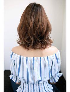 Pin on ヘアスタイル Pin on ヘアスタイル Medium Hair Cuts, Short Hair Cuts, Medium Hair Styles, Curly Hair Styles, Hair Inspo, Hair Inspiration, Korean Short Hair, Permed Hairstyles, Shoulder Length Hair