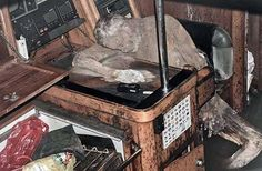 Some fishermen in the Philippines saw an abandoned yacht: inside they found the mummy of a man. The last time people had heard from him was 2009.