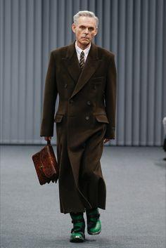 Sfilata Moda Uomo Balenciaga Parigi - Autunno Inverno 2017-18 - Vogue