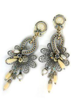 earrings : Perception