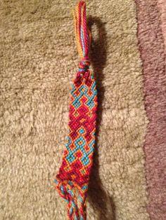 Added by cbudday Friendship bracelet pattern 4028 #friendship #bracelet #wristband #craft #handmade #nyan #chevron