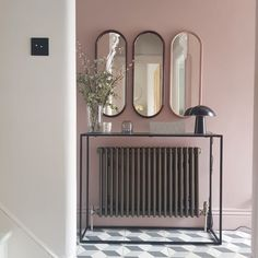 The perfect shade of pink? Little Greene's Light Peach Blossom in the home of interior designer Heather Milner. Hallway Paint Colors, Pink Paint Colors, Wall Colors, Best Interior Paint, Interior Design, Victorian Terrace Hallway, Victorian Terrace Interior, Hallway Mirror, Hallway Wallpaper