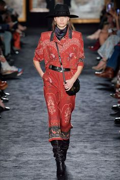 Etro Fall 2020 Ready-to-Wear Fashion Show - Vogue Catwalk Fashion, Dope Fashion, Fast Fashion, Fashion Week, 2020 Fashion Trends, Fashion 2020, Fashion Brands, Moda Dope, Fashion Illustration Face