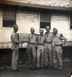 WWII soldiers and their favorite beer: Pabst Blue Ribbon