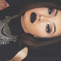 15 Razones por las que nunca se debe usar labial color negro - Taringa!