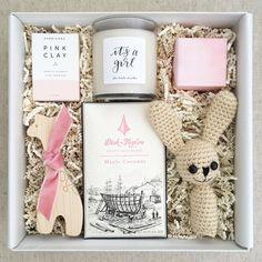 """374 """"Μου αρέσει!"""", 20 σχόλια - Teak & Twine (@teakandtwine) στο Instagram: """"FINALLY!! 👶🏽🎉 New to the shop! The Baby Girl, with an """"It's a Girl!"""" Candle by @thelittlemarket and…"""""""