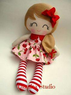 Adorável boneca de pano
