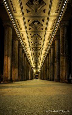 """Museumsinsel @ Night"" von V. Wagner"