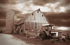 This is a photo of an old barn near Gilbertville, Iowa.