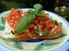 Bruschetta: http://www.smulweb.nl/recepten/1129824/Bruschetta-met-tomaat