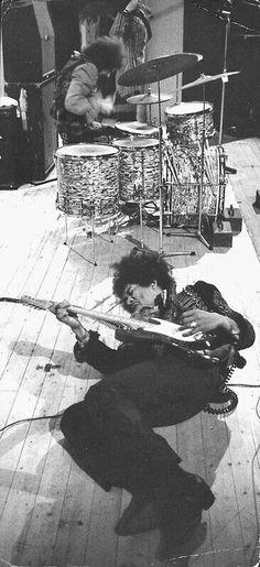 Jimi getting down