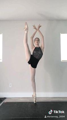 Tik tok- @briannag_2004 Instagram- @briannaguagliardo Ballet Gif, Ballet Dance Videos, Dance Tips, Ballet Dancers, Ballerinas, Dance Picture Poses, Dance Poses, Dance Pictures, Dance Baile