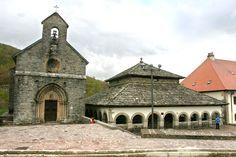 Lugares con historia, con mucha historia. Roncesvalles, #Navarra #CaminodeSantiago --> http://www.turismo.navarra.es/esp/organice-viaje/recurso/Localidades/2495/OrreagaRoncesvalles.htm