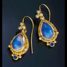 earrings 22kt gold granulation moonstone diamond