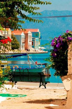 At the end of our lane, you come to this portion of the esplanade.  It's so pretty here, it could be anywhere on the Mediterranean. <3 !!!for ever...Greece!!!