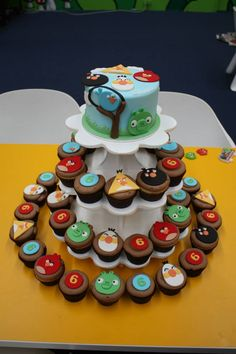 Angry Birds Birthday Cake and Cupcakes