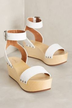 95e927b31a54 that  70s shoe  my search for the perfect  70s-inspired platform sandal