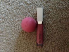 Awesome combo: EOS lip balm in Strawberry and Flower Cosmetics lipgloss in Lovely Lotus. Helped alleviate my chapped lips. Nice shine without the stickiness. Very moisturizing too.