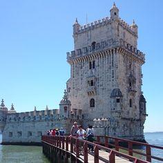 RO: Turnul Belem, Patrimoniu UNESCO, Lisabona EN: Belem Tower, UNESCO Heritage, Lisbon #DCRAdventures #belemtower #travelideas #visitlisbon #pasteisdebelem Belem, Tower Bridge, Lisbon, Travel Ideas, Vacation Ideas