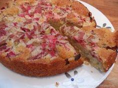 Knøvl's mad: Rabarber kage med marcipan