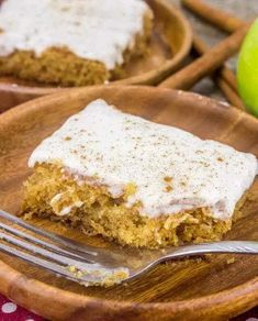 Apple Butter Sheet Cake {An Easy Delicious Apple Dessert for Fall} Quick Apple Dessert, Healthy Apple Desserts, Apple Cake Recipes, Easy Desserts, Apple Cakes, Old Fashioned Cake Recipe, Bread Bar, Apple Butter, Fall Baking