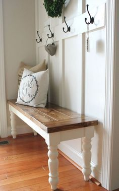 73 Fabulous Farmhouse Entryway Decor Ideas 73 Fabulous Farmhouse Entryway Decor Ideas Always aspired to figure out how to knit, but undecided the place to start? Decor, Farmhouse Bench Diy, Foyer Decorating, Farm House Living Room, Bench Decor, Entryway Decor, Home Decor, Farmhouse Dining, Rustic Entryway