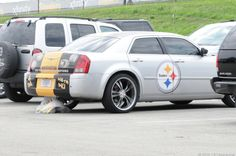 Road Trip When CNET reporter Daniel Terdiman takes U. Route 30 east, he stumbles onto Day 2 of the NFL team's training camp. Chuck Noll, City Super, Pittsburgh Sports, Steelers Football, Steeler Nation, Cool Cars, Penguins, Chrysler 300, Steel Wheels