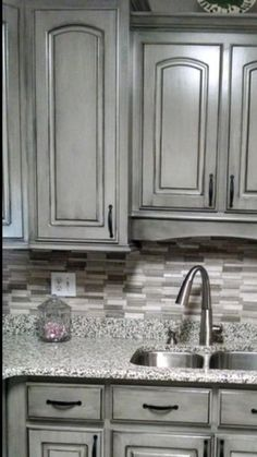 This kitchen is the perfect one!  Island in the darker stained color or a vivid blue! Backsplash, countertops, ❤️