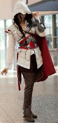 female Assassin's Creed cosplay