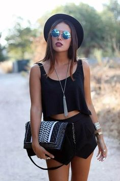 45 Modish Music Festival Outfit Ideas to set the Mood | Music Festival Outfit Ideas | Festive Outfits | Chic Outfits