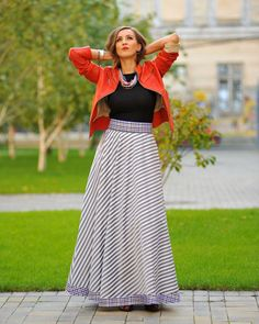 High Waisted Maxi Skirt - Making you want to fly - Colors of Love - Fusta Michele M. Hollywood Divas, Dress Skirt, Maxi Dresses, M Color, Winter Collection, Going Out, Fashion Looks, Feminine, Street Style